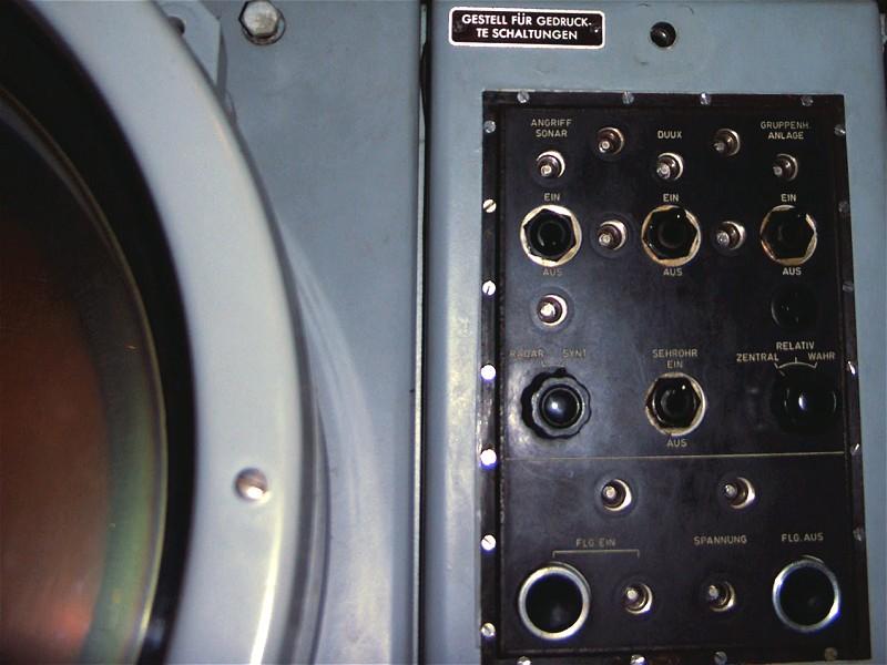 Entfernungsmessung Mit Radar : U radar und torpedosteuerkonsole detail